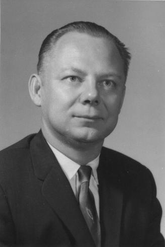 Photo of Irving H. Tesmer